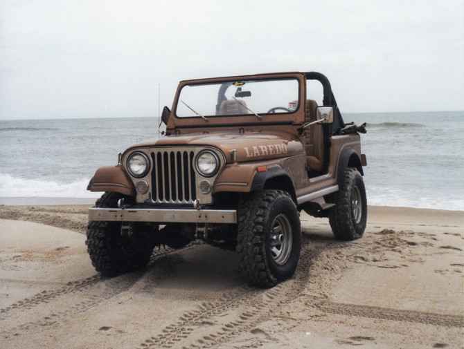 1985 Jeep CJ-7 Laredo Interco Super Swamper TSL Radial 32/9.50R15 (3969)