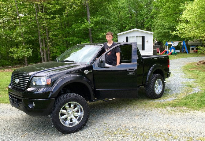 2012 ford f150 super crew on 20 wheels dark brown hairs