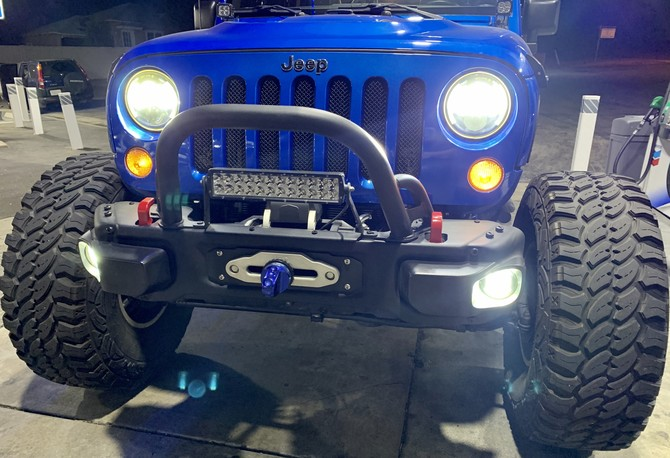 2015 Jeep Wrangler Unlimited Rubicon Pro Comp Xtreme M/T 2 40/13.50R17 (4927)