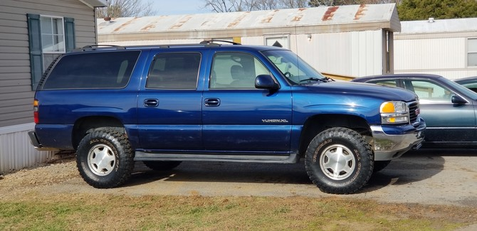 2001 GMC Yukon XL 4x4 Ironman All Country M/T 285/75R16 (6086)