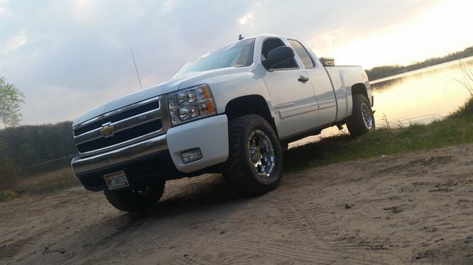2007 Chevrolet Silverado K1500 Extended Cab Dick Cepek Fun Country 285/70R17 (752)