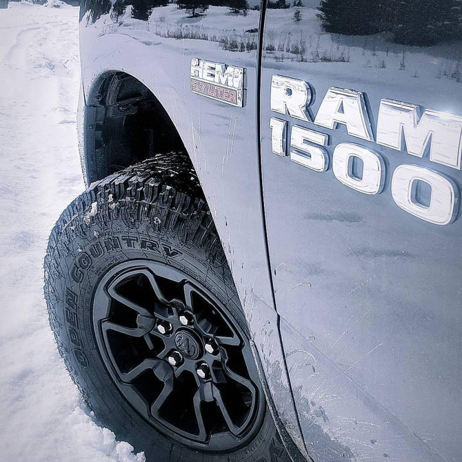 2017 Ram 1500 4wd Quad Cab Toyo Open Country A/T II 285/70R17 (3020)