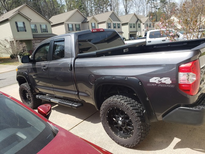 2014 Toyota Tundra Double Cab 4wd Nitto Trail Grappler M/T 295/60R20 (5476)