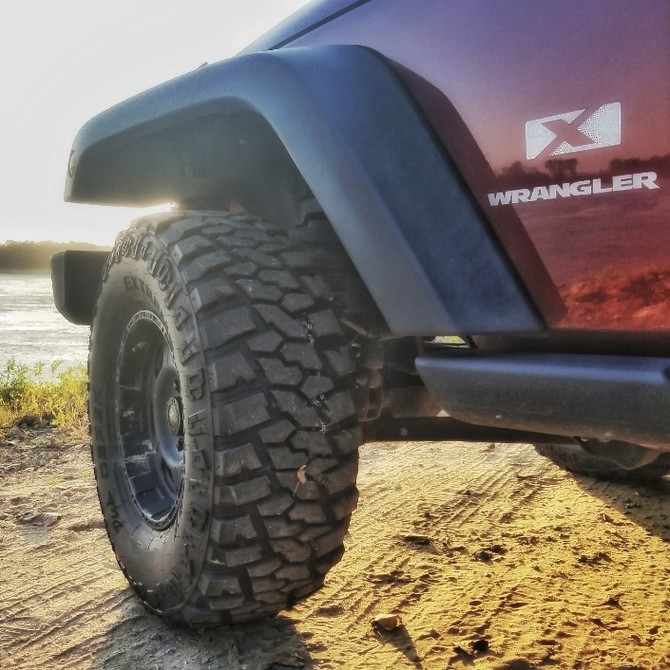 2008 Jeep Wrangler X Dick Cepek Extreme Country 305/70R16 (3423)