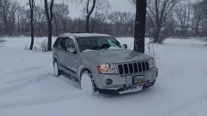 2006 Jeep Grand Cherokee Laredo Firestone Destination LE 2 245/65R17 (606)