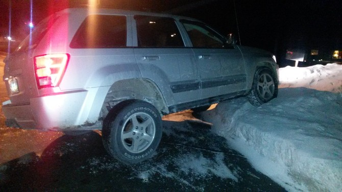 2006 Jeep Grand Cherokee Laredo Firestone Destination LE 2 245/65R17 (607)