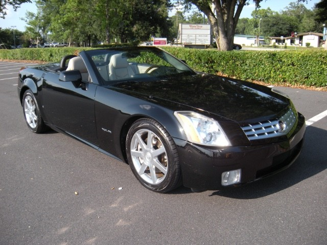 2006 Cadillac XLR Base Model Yokohama YK580 235/50R18 (813)