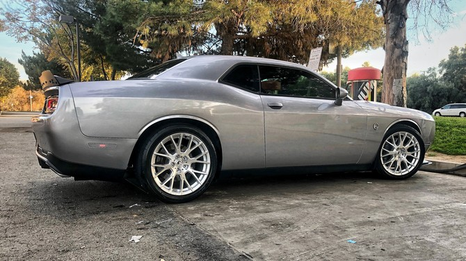 2017 Dodge Challenger R/T Scat Pack Nitto NT555 G2 305/35R20 (3795)