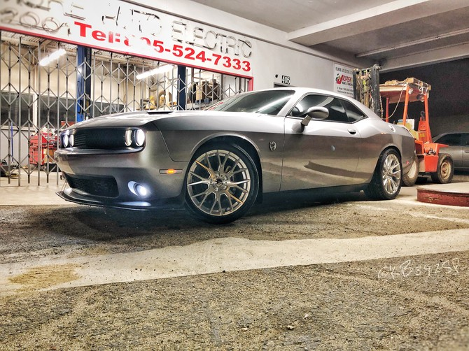2017 Dodge Challenger R/T Scat Pack Nitto NT555 G2 305/35R20 (3796)