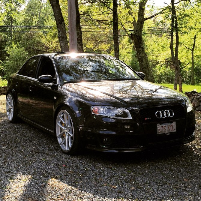 2008 Audi RS4 Sedan Hankook Ventus V12 evo2 225/35R20 (750)