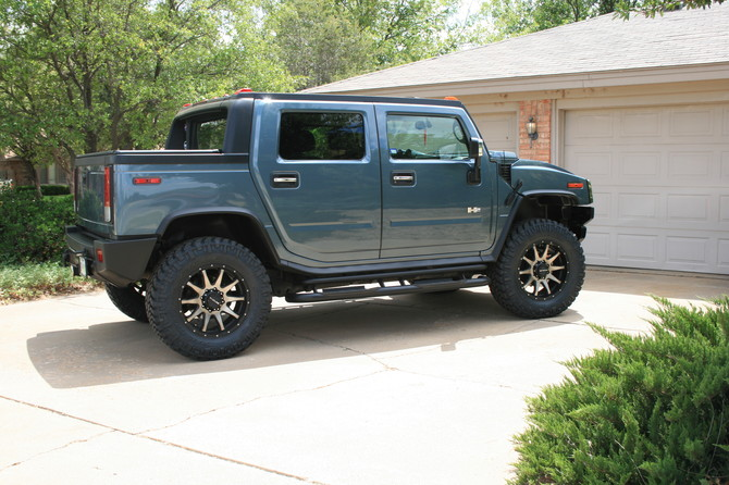 2005 Hummer H2 SUT Nitto Trail Grappler M/T 37/12.50R20 (2527)