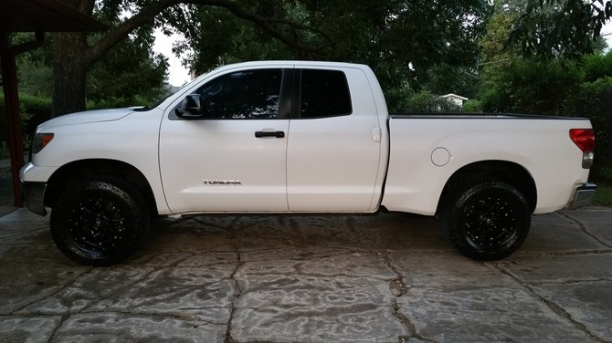 2008 Toyota Tundra Double Cab 4x2 Toyo Open Country A/T II 325/60R18 (2673)