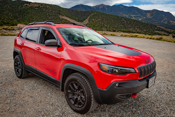 2019 Jeep Cherokee Trailhawk Firestone Destination A/T 245/65R17 (3630)