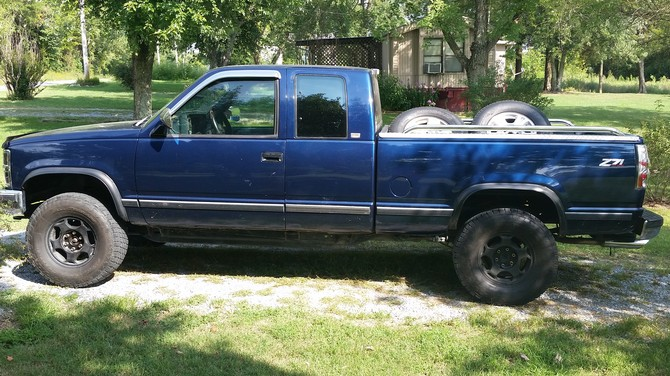 1993 Chevrolet K1500 Z71 Pick-up Nitto Terra Grappler 285/75R16 (909)