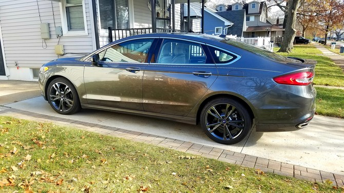 2017 Ford Fusion Platinum Continental ContiProContact 235/40R19 (5322)