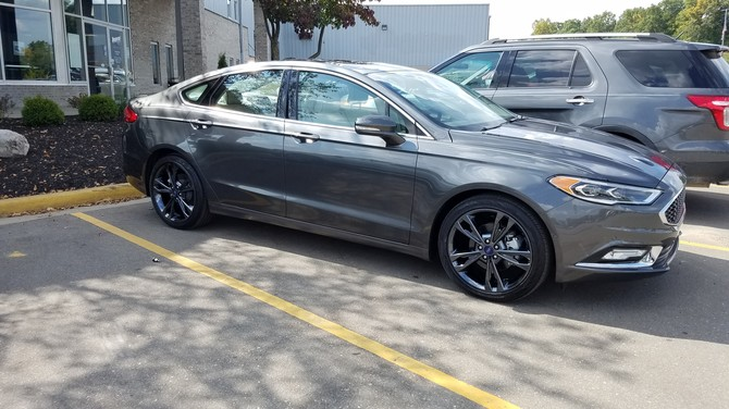 2017 Ford Fusion Platinum Continental ContiProContact 235/40R19 (5323)