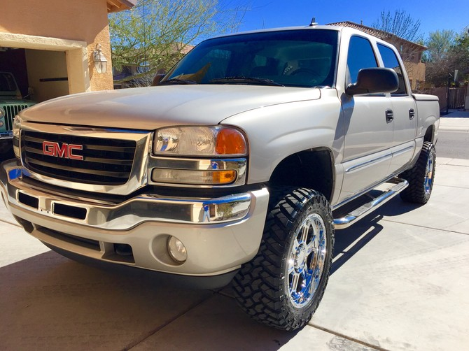 2006 GMC Sierra K1500 4wd Crew Cab Nitto Trail Grappler M/T 285/55R20 (1279)
