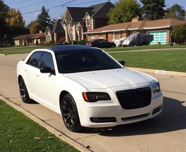 Moeabe S 2014 Chrysler 300s Rwd V8