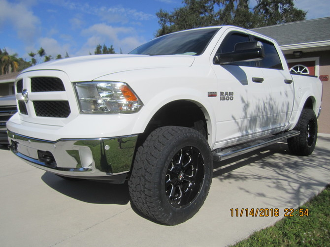 2014 Ram 1500 Outdoorsman Toyo Open Country A/T II 35/12.50R20 (4493)