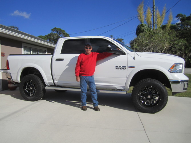 2014 Ram 1500 Outdoorsman Toyo Open Country A/T II 35/12.50R20 (4494)
