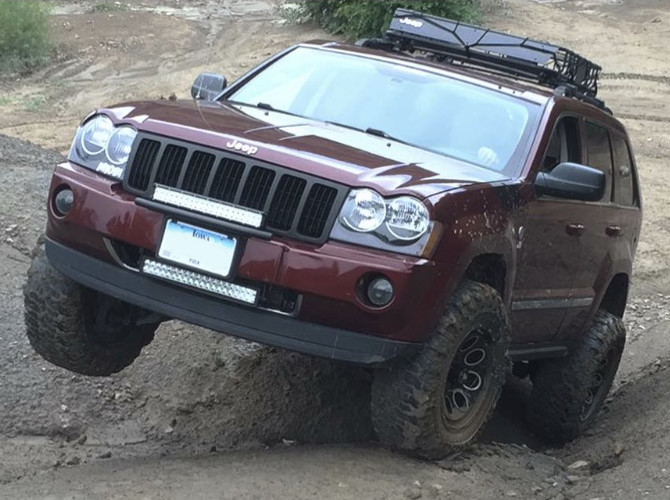 2007 Jeep Grand Cherokee Limited Interco Super Swamper SS-M16 31/10.50R17 (3243)