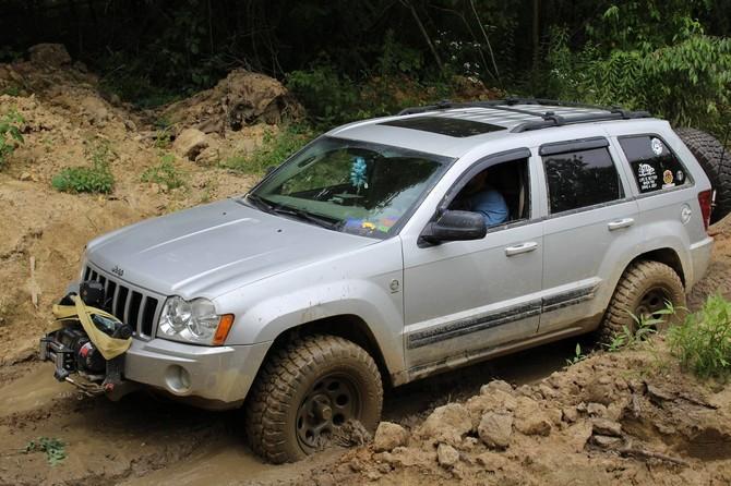 265 70r17 All Terrain Tires >> VeraWK06's 2006 Jeep Grand Cherokee Laredo