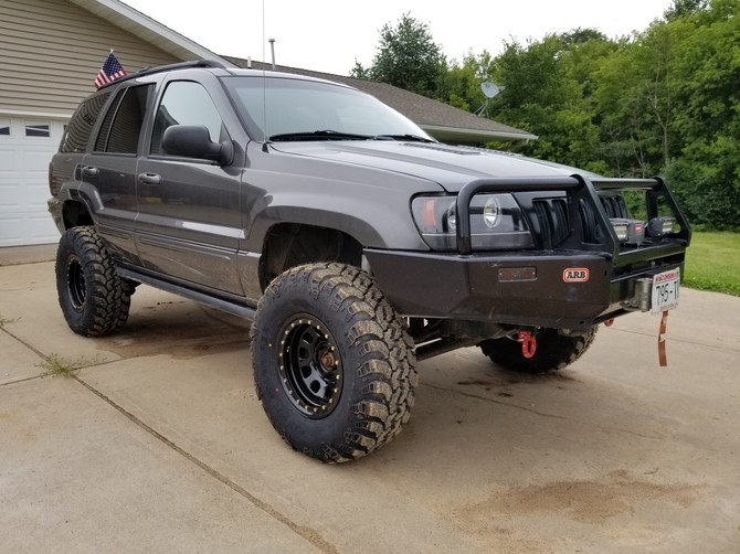 2004 Jeep Grand Cherokee Overland Standard Model Interco Super Swamper IROK ND 305/70R16 (2622)
