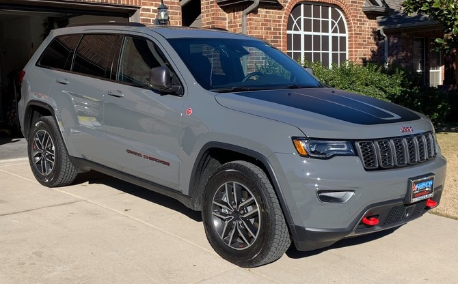 2019 Jeep Grand Cherokee Trailhawk Goodyear Wrangler All-Terrain Adventure w/Kevlar 265/60R18 (3998)