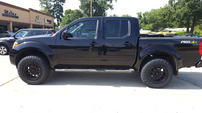 Nissan Frontier Crew Cab Pro X Lgthumb