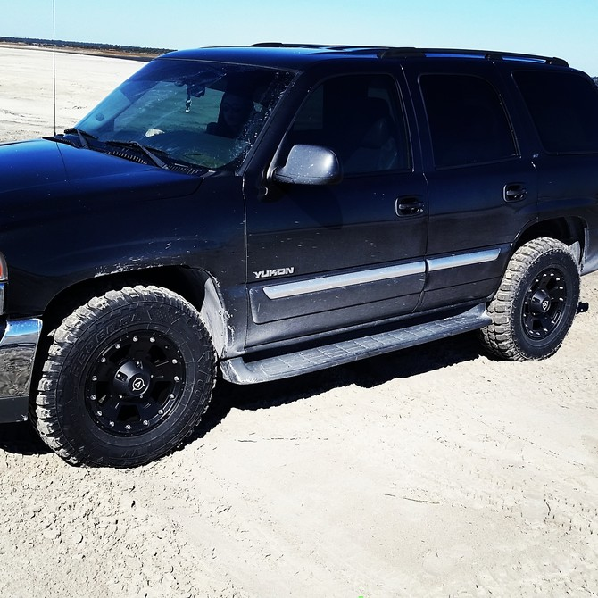 2003 GMC Yukon 4Wd Federal Couragia M/T 285/70R17 (516)