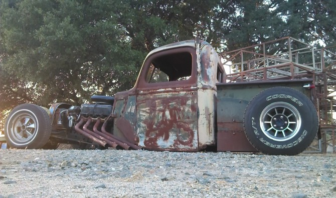 1940 Ford Rat Rod pickup On bags Cooper Discoverer AT3 265/75R15 (2033)