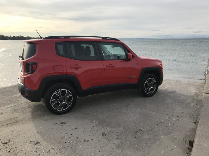 2015 Jeep Renegade Limited BFGoodrich All-Terrain T/A KO2 255/55R18 (3215)