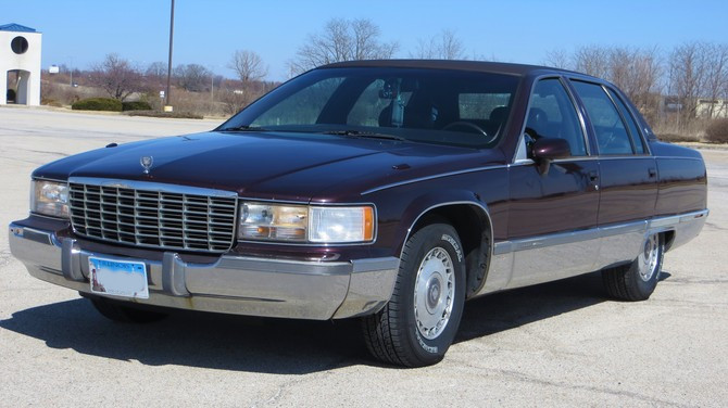 1994 Cadillac Fleetwood Brougham  General Altimax RT43 235/70R15 (3107)